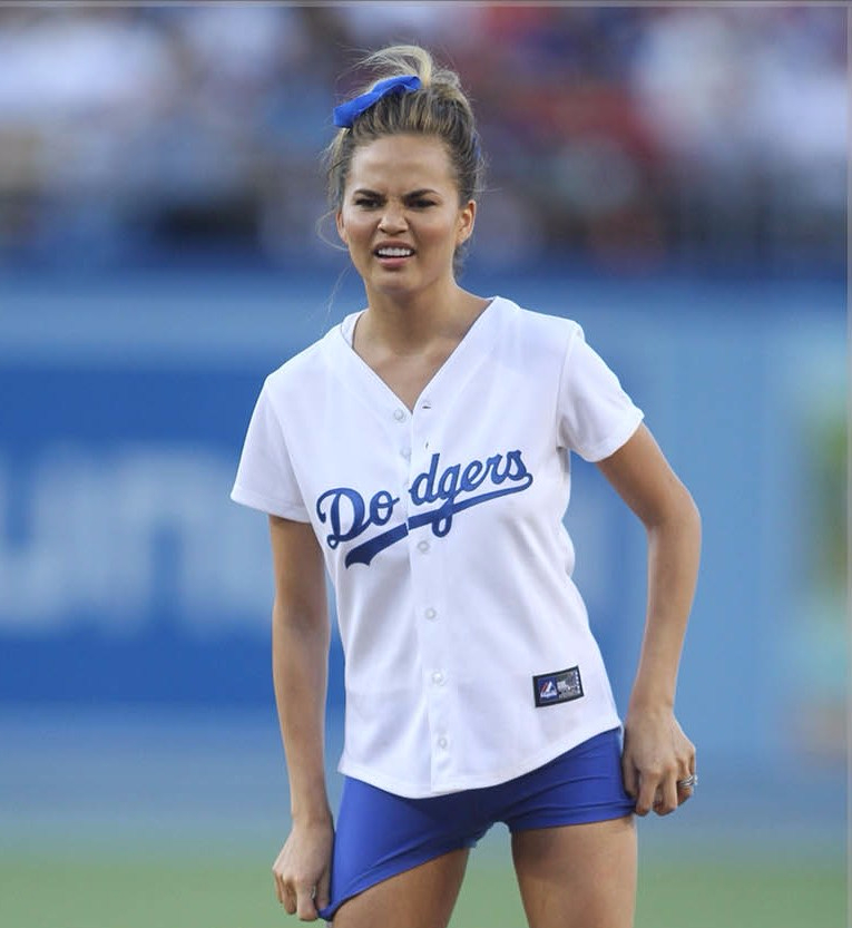 chrissy-teigen-first-pitch-spl1-e1508956245104.jpg